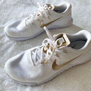 Nike MetCon 3 Size 8 White and Gold